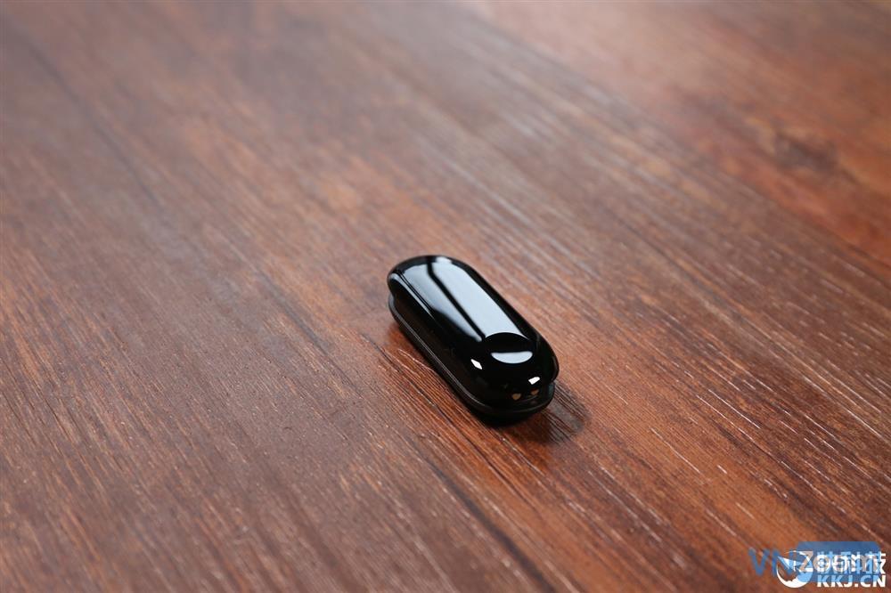 Trên tay Miband 3 với 2 phiên bản, hỗ trợ NFC, giá từ 599 nghìn 5d67683cef9947019445af120faeb6f5_1000