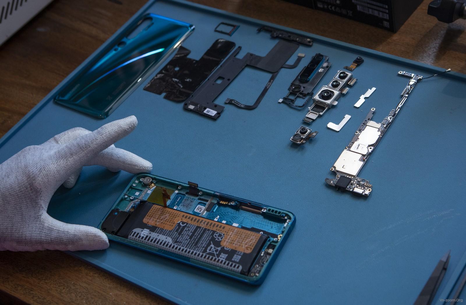 191217-Xiaomi-Mi-Note-10-Teardown-009.jpg