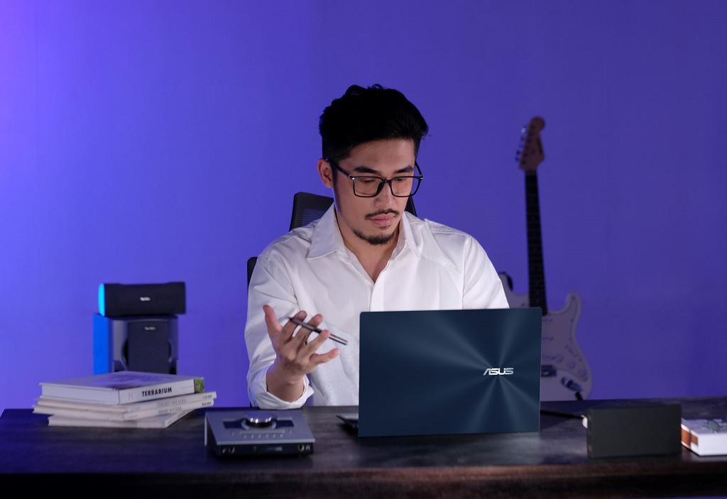 Vu-Zenbook-Duo-14-2021.png